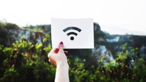 cropped How To Boost a Weak WiFi Signal Title Image.jpg.optimal